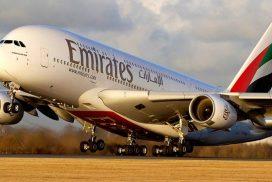 Letadlo letecké společnosti Emirates na cestě do Vietnamu