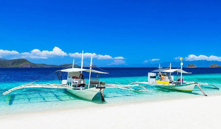 Filipíny Boracay Island trimarány
