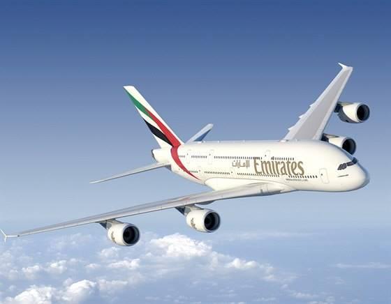 Letadlo Emirates na cestě z Filipín